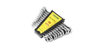 Набор ключей комбинированных трещоточных с реверсом 11пр. (8,10,11,12,13,14,15,16,17,18,19мм) в пластиковом держателе Partner PA-3011RM